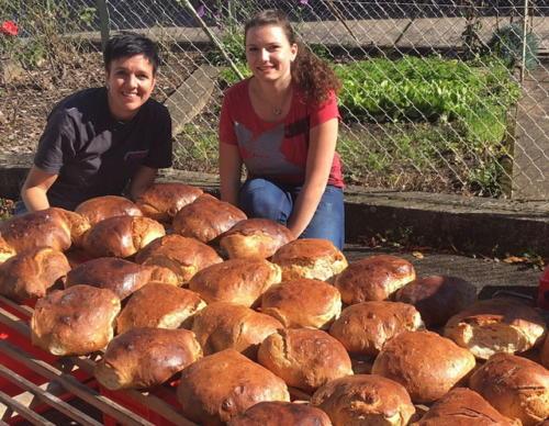 Brotbackaktion am 13.10.2017 - 11