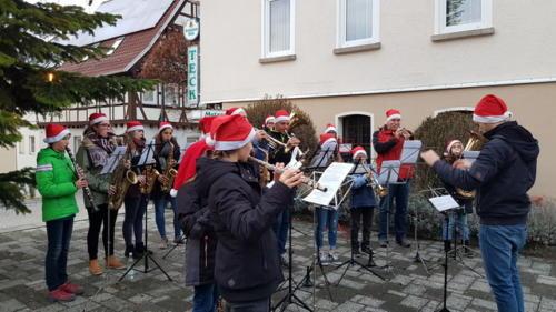 Christbaumaufstellen TSV am 01.Dezember 2018