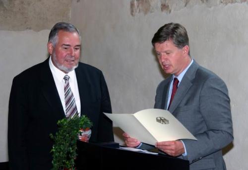 Verleihung des Bundesverdienstkreuz an Uwe Kiedaisch am 15. Juli 2005